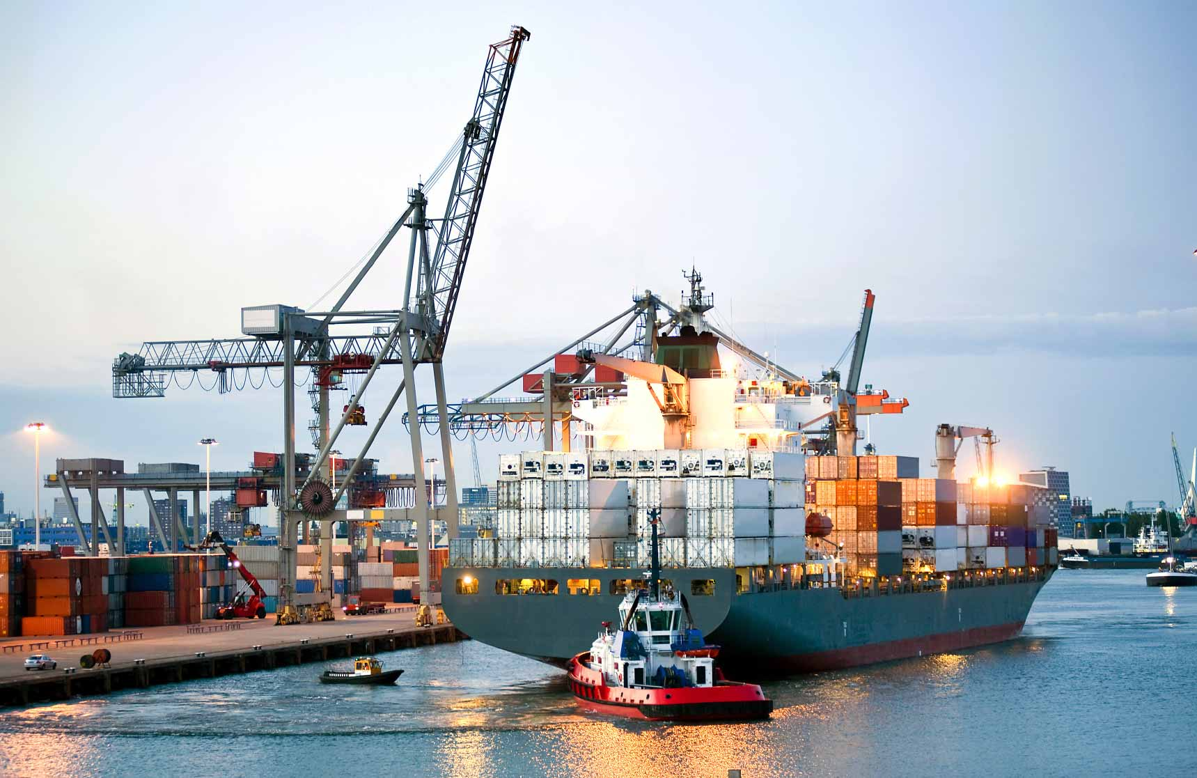 Tìm hiểu về các loại phụ phí đường biển