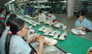 Vận chuyển giày dép Thái lan về Việt Nam