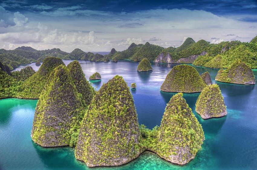 Chuyển phát nhanh hỏa tốc đi Indonesia giá rẻ